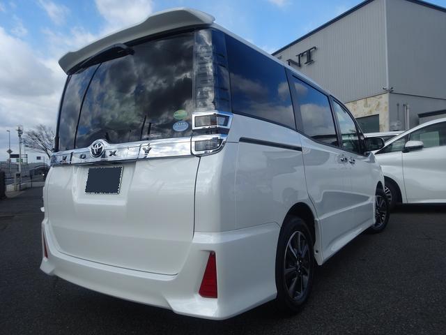 Toyota voxy 2019